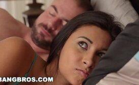 Gp sexo com ninfetinha acordando seu namorado