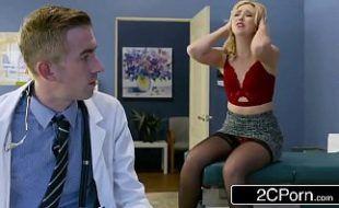 Porno gostozo com loira deliciosa gemendo no hospital