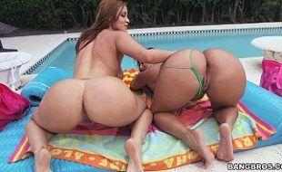 Videos de sexso com mulheres deliciosas peladas na piscina