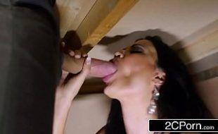 Xvedeo porno fazendo sexo de baixo da mesa