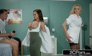 Xvideos pornograficos com médicas peitudas passando melhor medicamento