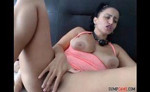 Xvideoscom rabuda deliciosa se masturbando na frente da camera