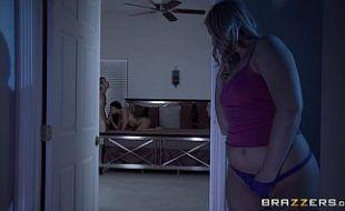 Amador tuber acordando namorado para sexo violento grátis